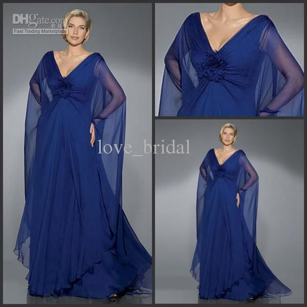 Light Blue Lightweight Dresses For Bridesmaids With Silver Shawls Sand Color Suites Matching Ties Groomsmen Wedding