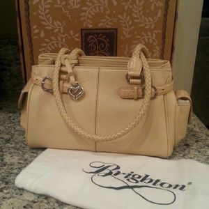 I just discovered this while shopping on Poshmark: Brighton handbag NWT. Check it out!  Size: mid size $115.00