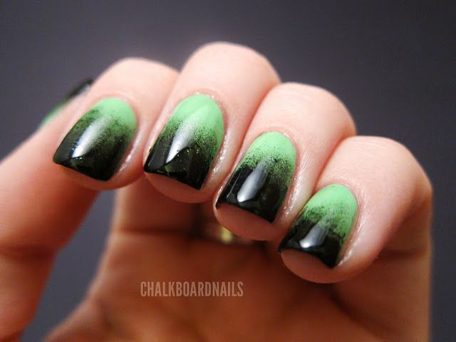 Festive Green Gradient | Hair and nails, Holloween nails ...