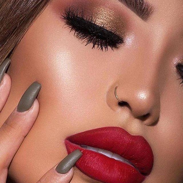 Bronze metallic eyeshadow and red lip