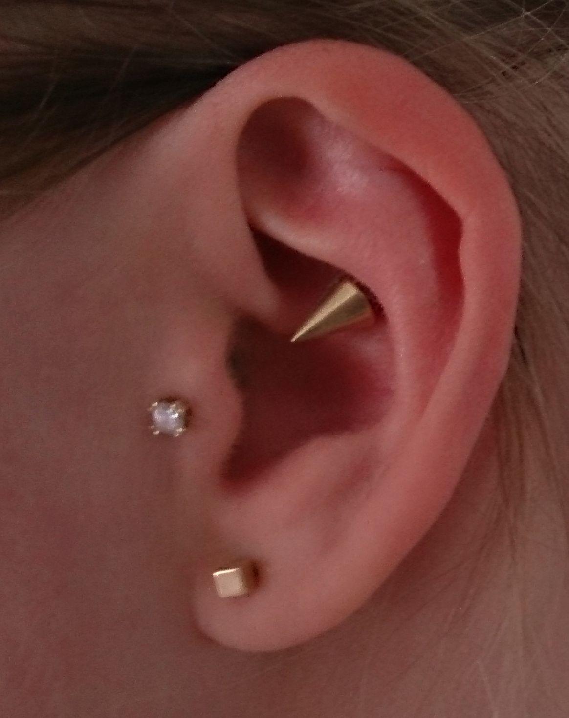 New Gold Mod Glitter Ear Rings