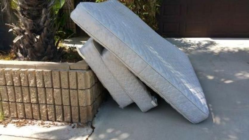 Are you looking for mattress removal service either from
