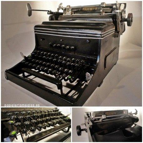 Máquina de escribir antigua. Para decoración. Metálica