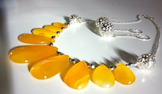 AGATE NECKLACE Yellow Agate Summer Necklace Designer by GECHELINE