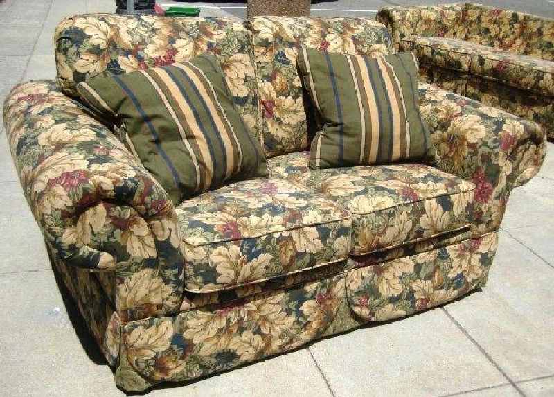 Flower Pattern Love Seat And Sofa