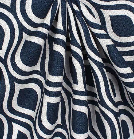 nos panneaux de rideau bleu marine sont la parfaite touche de modernit du design pour ajouter. Black Bedroom Furniture Sets. Home Design Ideas