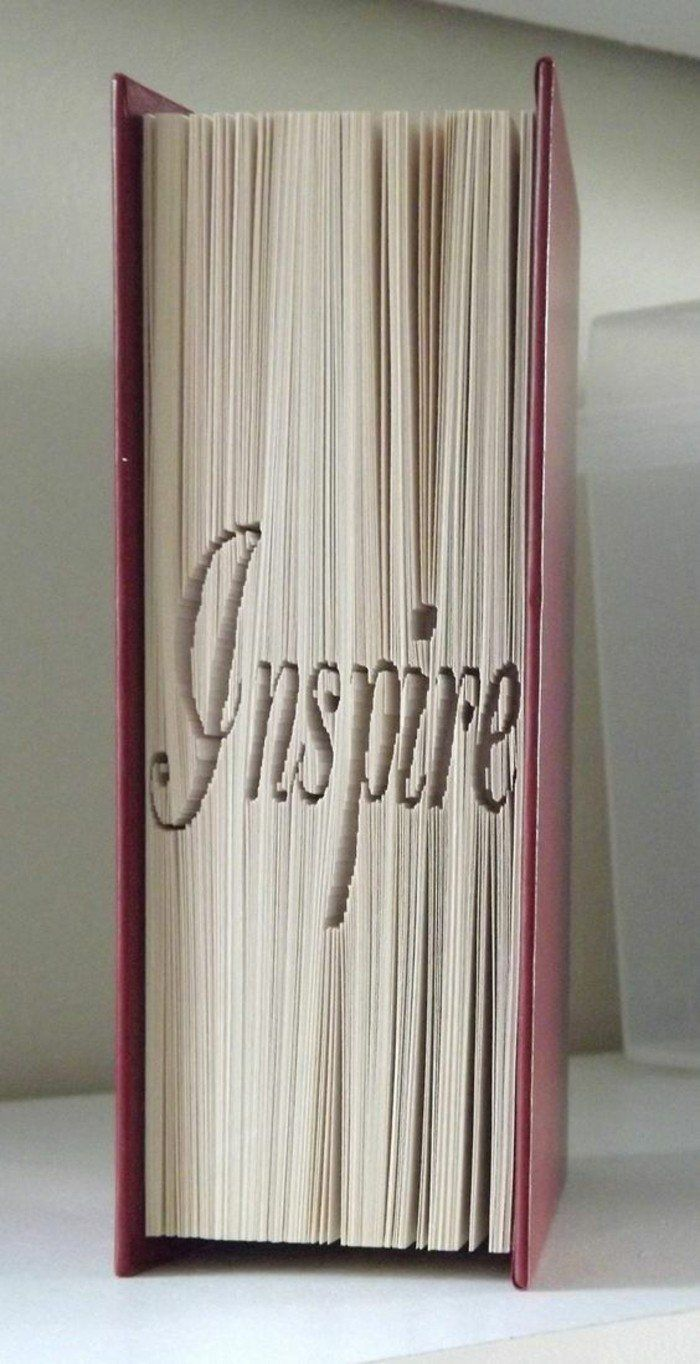 1001 ides originales de pliage de livre  des formes faciles  re use books  Folded book art