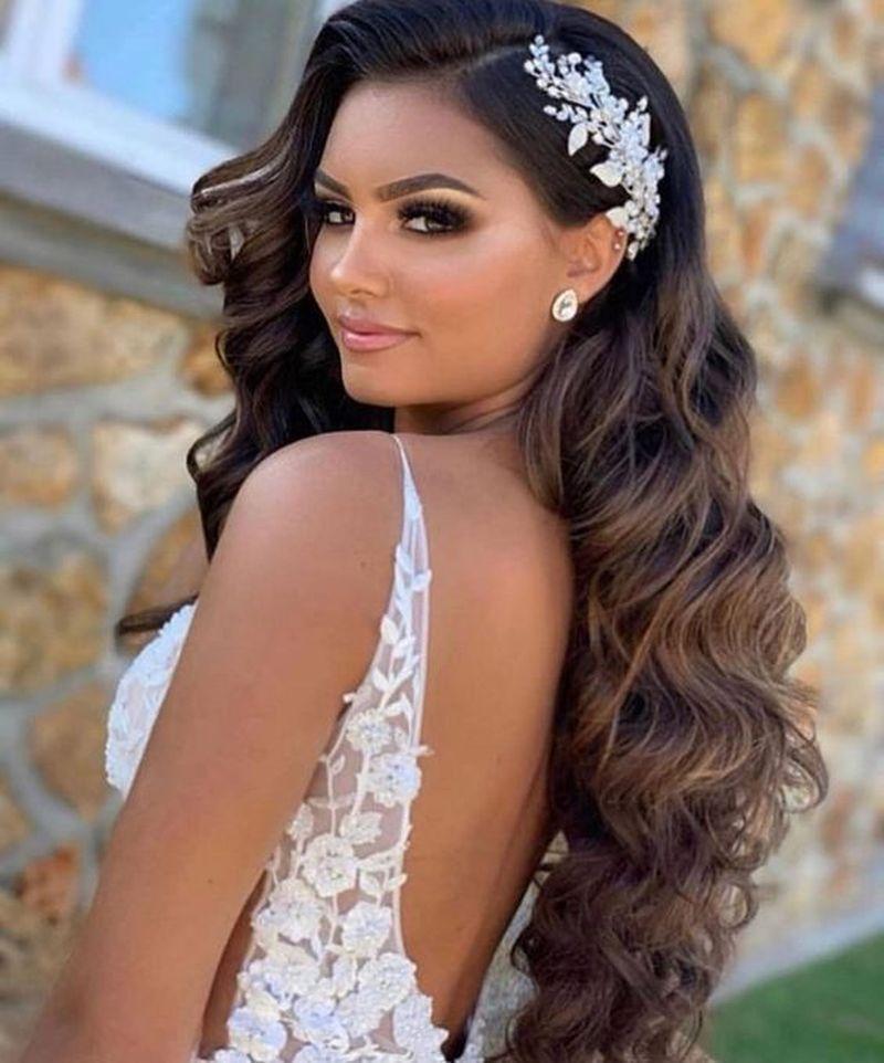 34 Extraordinary Wedding Hairstyles Ideas For Brides 2020 In 2020 Long Hair Wedding Styles Wedding Hairstyles For Long Hair Bridal Hair Down