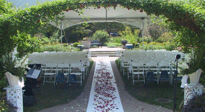 Weddings in the Wilder Park Formal Garden Wild park