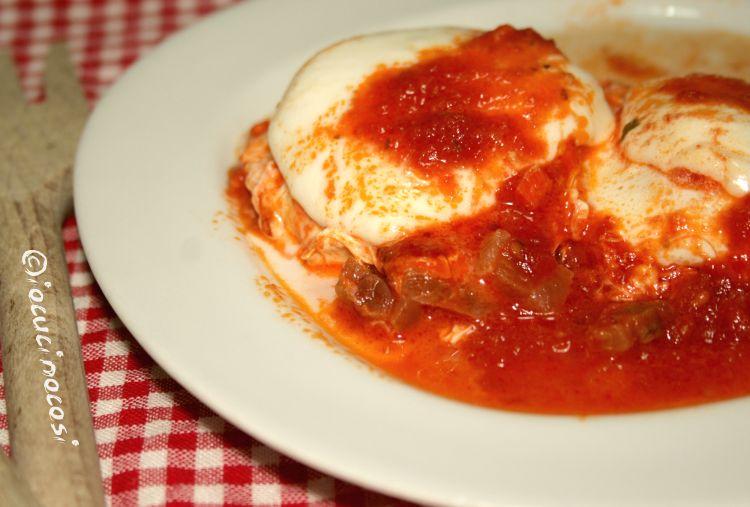 Le uova al pomodoro saporite o uova al purgatorio sono un secondo da preparare in alternativa acarne o pesce.