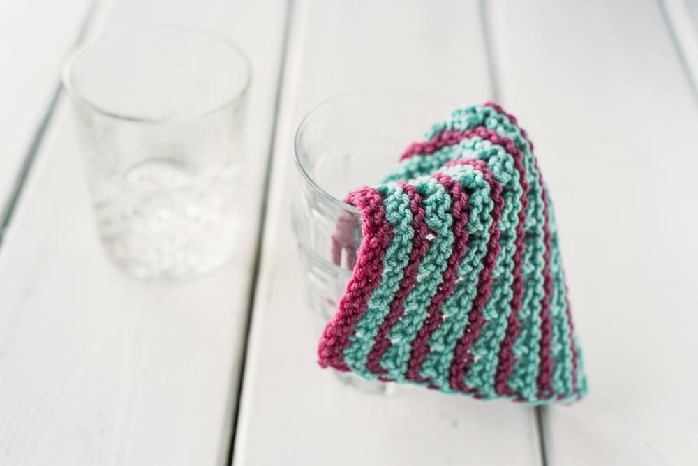 Incredibly Easy Knit Dishcloth | AllFreeKnitting.com | Fun With Yarn ...