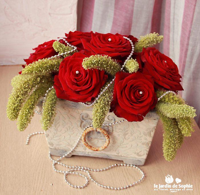 composition florale le blog de sophie rouge bouquets de fleurs centre de table noel art. Black Bedroom Furniture Sets. Home Design Ideas