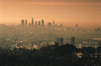 Witness To See The Close Connections Between Weather Climate And Air Pollution Consider Los Angeles Whose Severe Air Qualit Ozone Pollution Air Pollution