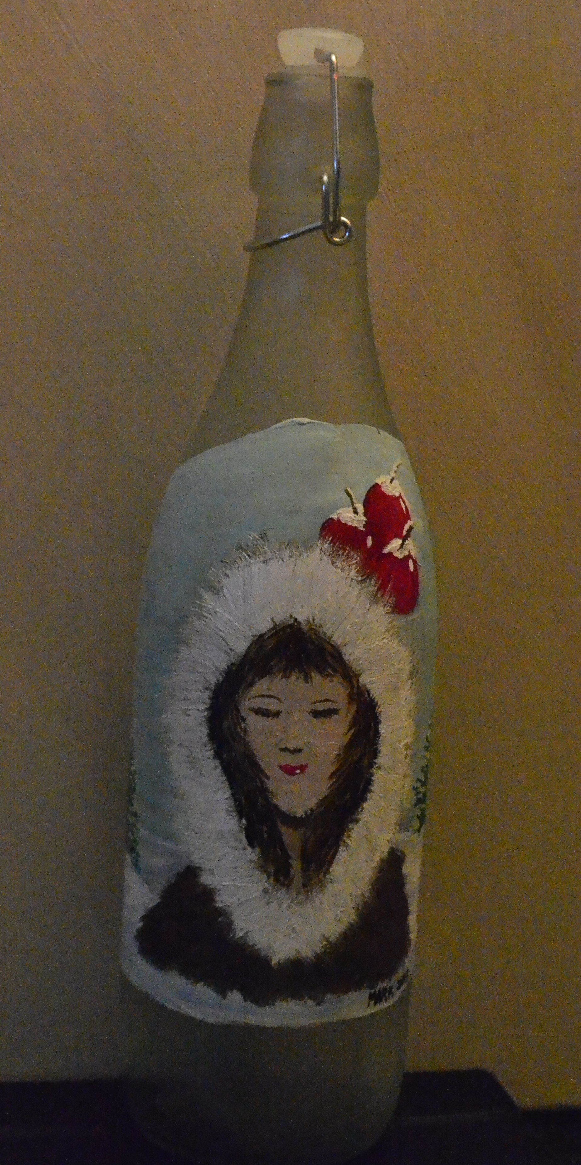 Winter Berry Red frosted wine bottle