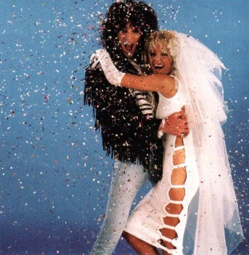10 Musician&#39-s Iconic Weddings | Tommy Lee &amp- Heather Locklear ...
