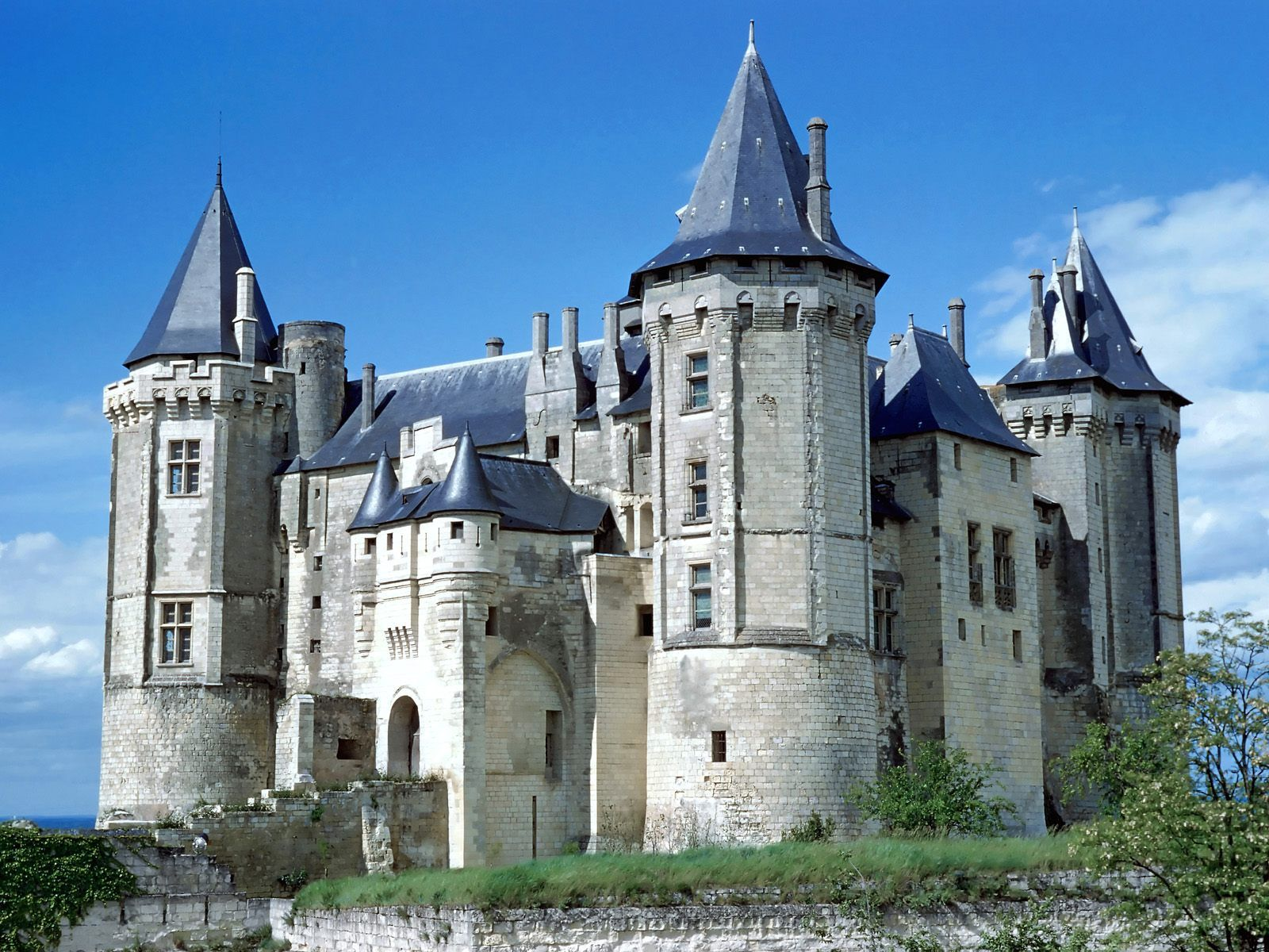 Saumur castle france the château de saumur originally built as a castle and later developed as a château is located in the french town of saumur