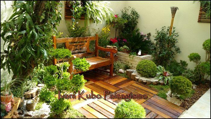 Como formar um jardim num espaço pequeno?  Essa dúvida é muito frequente quando o sonho é ter um jardim aconchegante e lindo e não se tem mu...