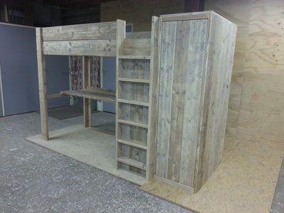 Hoogslaper Met Kastruimte : Zon steigerhout hoogslaper met bureau en vrijstaande kast leentje