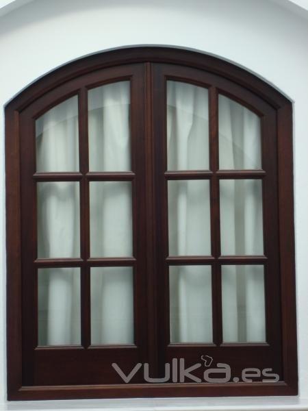 Modelos de ventanas de madera ventana modelo iroko ideas for Modelos de puertas y ventanas de aluminio