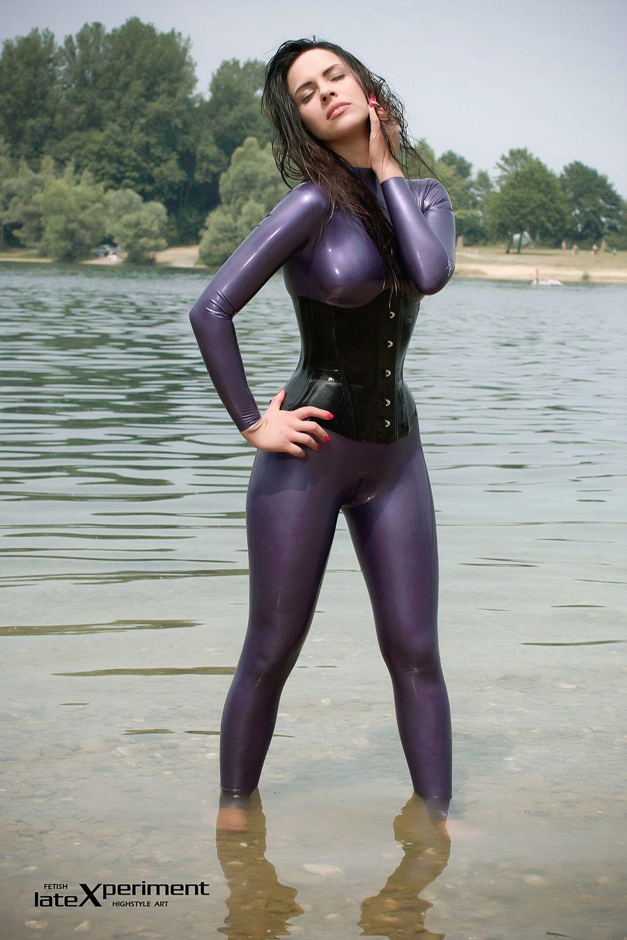 female latex skin jpg 1500x1000