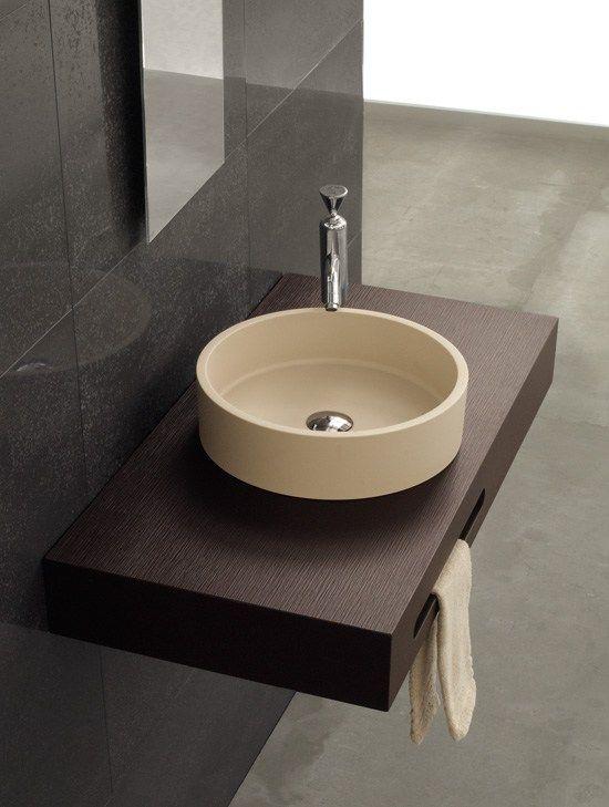 Encimera de resina con faldon y toallero  lavabo resina