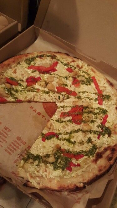 Blaze Pizza With Vegan Cheese Food Allergies Food Vegan Cheese