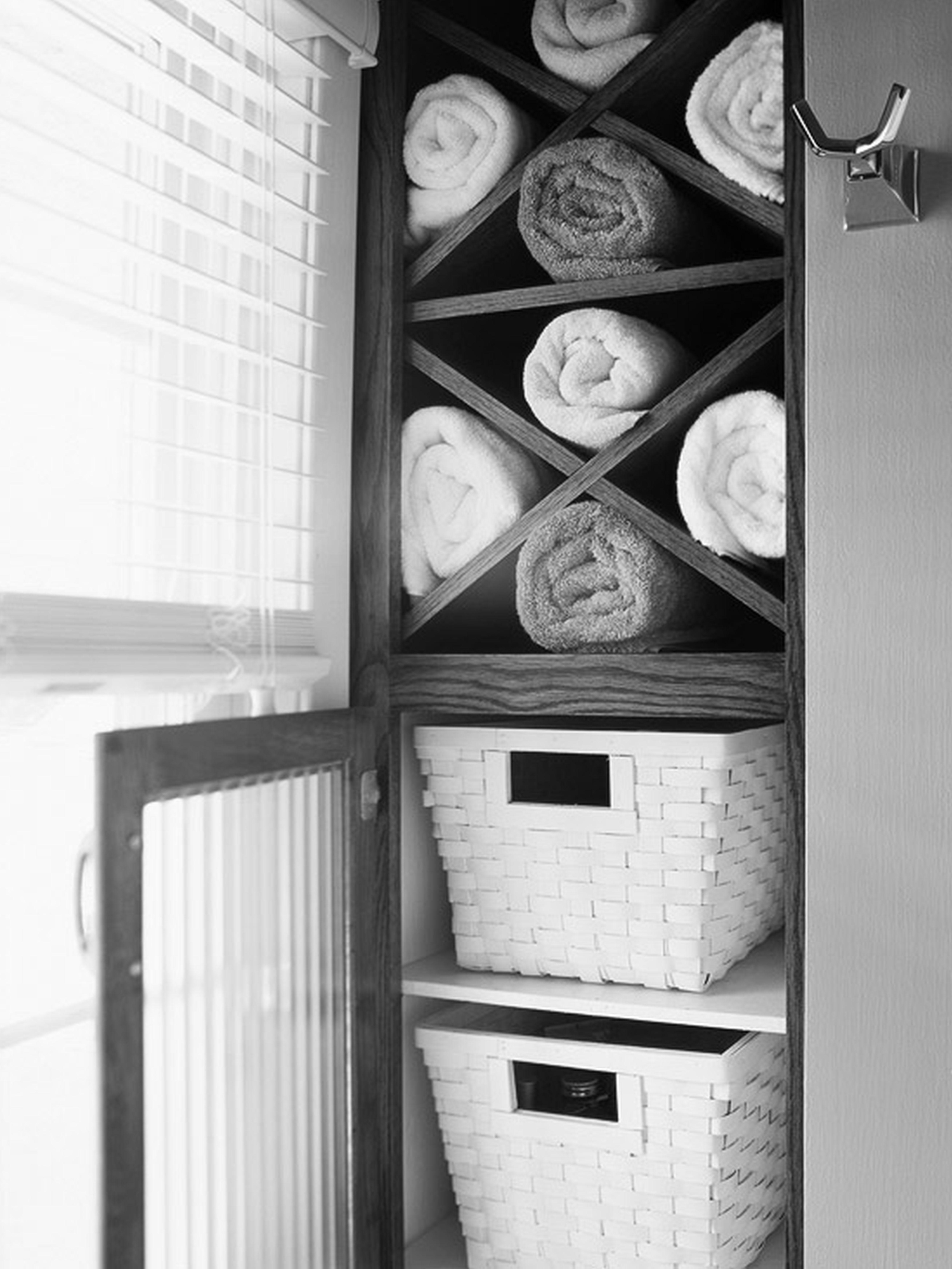 Bathroom Bathroom towel shelves and Towels on Pinterest. Black Linen Cabinets For Bathroom