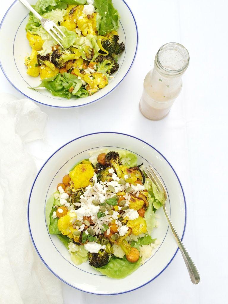 Deze salade is een 'must try'! Met couscous, gegrilde groenten & kokosdressing - www.madebyellen.com