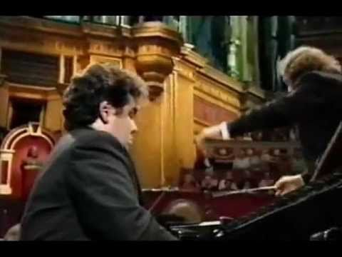 Sergei Rachmaninov Piano Concerto No.2 in C minor, op.18 Pianist : Arcadi Volodos Riccardo Chailly Royal Concertgebouw Orchestra Royal Albert Hall, London, 1997 The Piano Concerto No. 2 in C minor, Op. 18, is a concerto for piano and orchestra composed by Sergei Rachmaninoff between the autumn of 1900 and April 1901.[1] The second and third movements were first performed with the composer as soloist on 2 December 1900