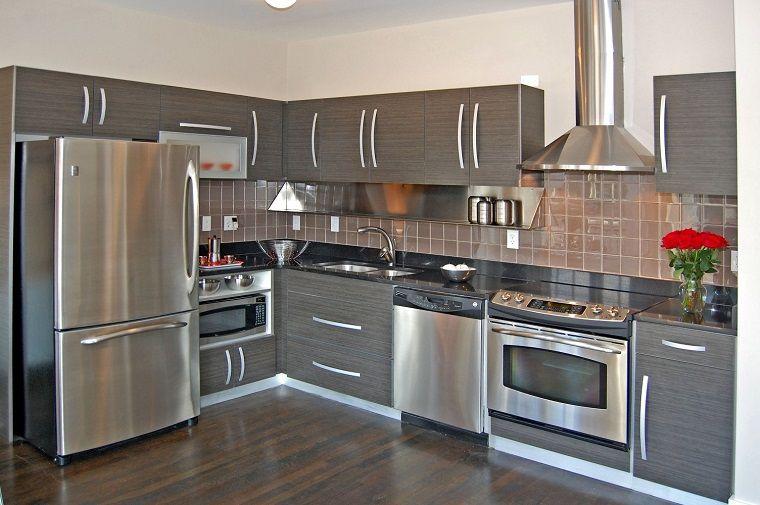 cucine moderne ad angolo-elettrodomestici-dettagli-acciaio ...