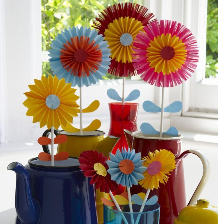 Papierblumen basteln mit Kindern – Schöne Ideen und Bastelanleitungen #easypaperflowers