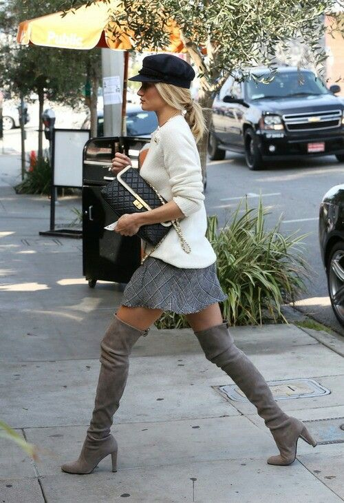 love this! The hat and boots make this outfit more amazing!
