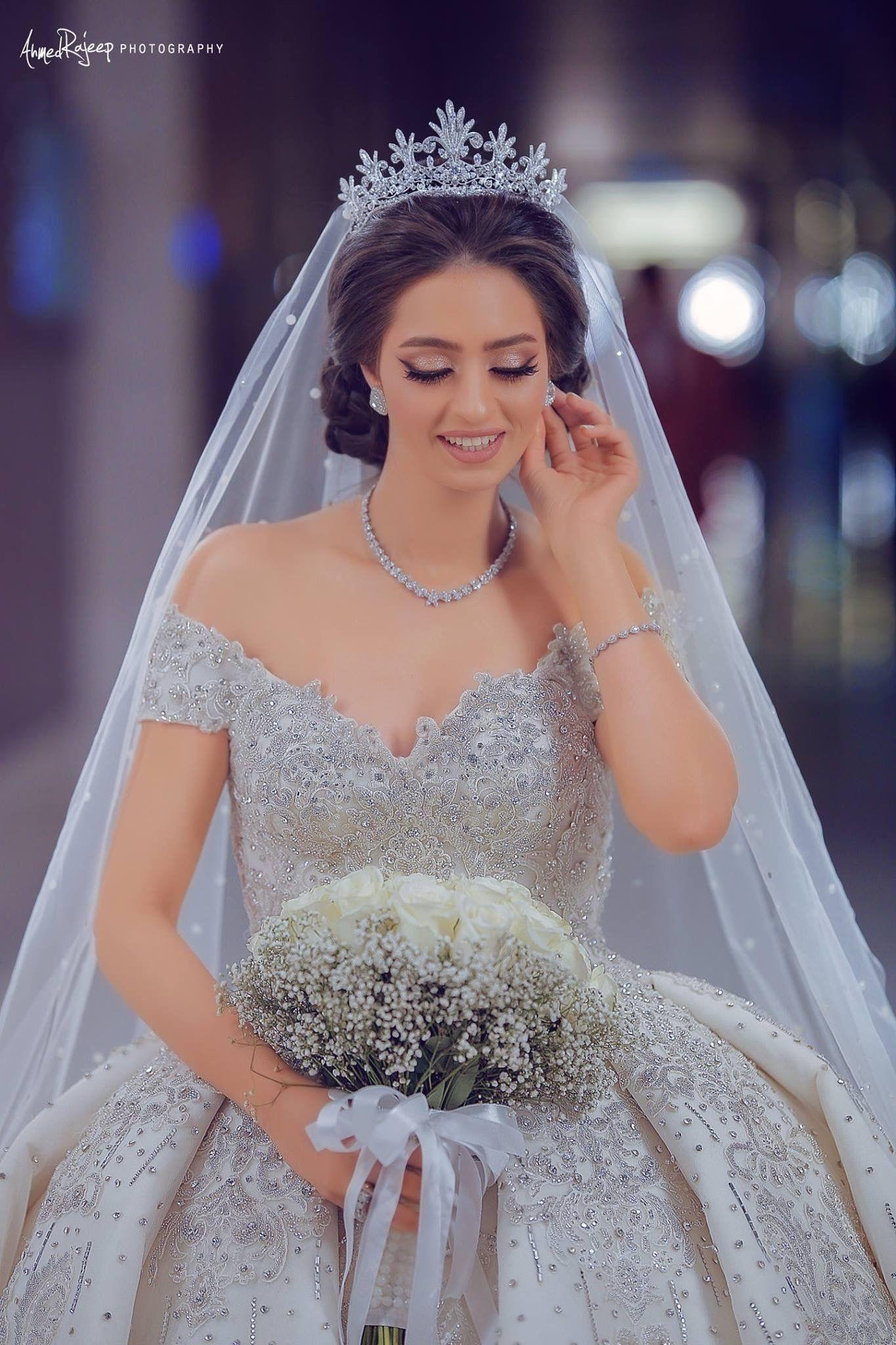 Pin De Rocio Castanon En Hermosos Vestidos De Novia En 2020 Hermosos Vestidos De Novia Vestidos De Novia Princesa Vestidos De Novia
