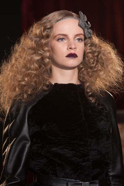 EN IMAGES. La semaine de la Haute Couture en 15 coiffures