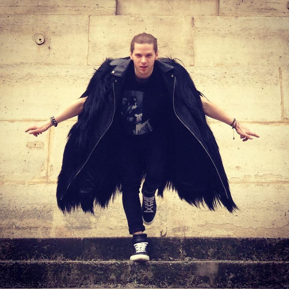 Raven Coat - SAINT LAURENT PARIS.