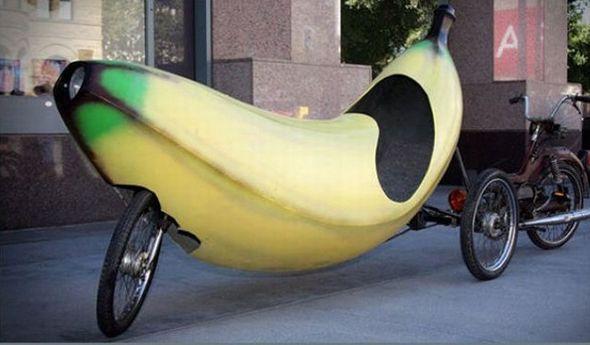 Triciclo con forma de plátano