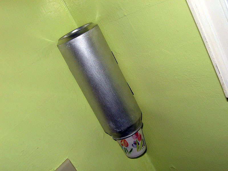 Beer Can Bathroom Cup Dispenser With Images Bathroom Cups Dispenser Diy Diy Cups