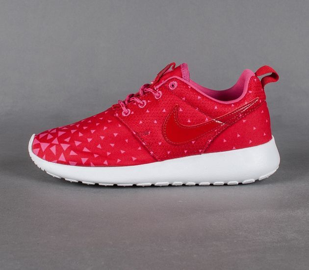 size 40 7229a 4530e Trendy Women s Sneakers   Nike Roshe Run GS-Triangles -  Women sshoes