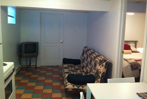 Appartement D Une Chambre Pour Etudiant A Louer A Hull 500 Mois Home Decor Home Furniture