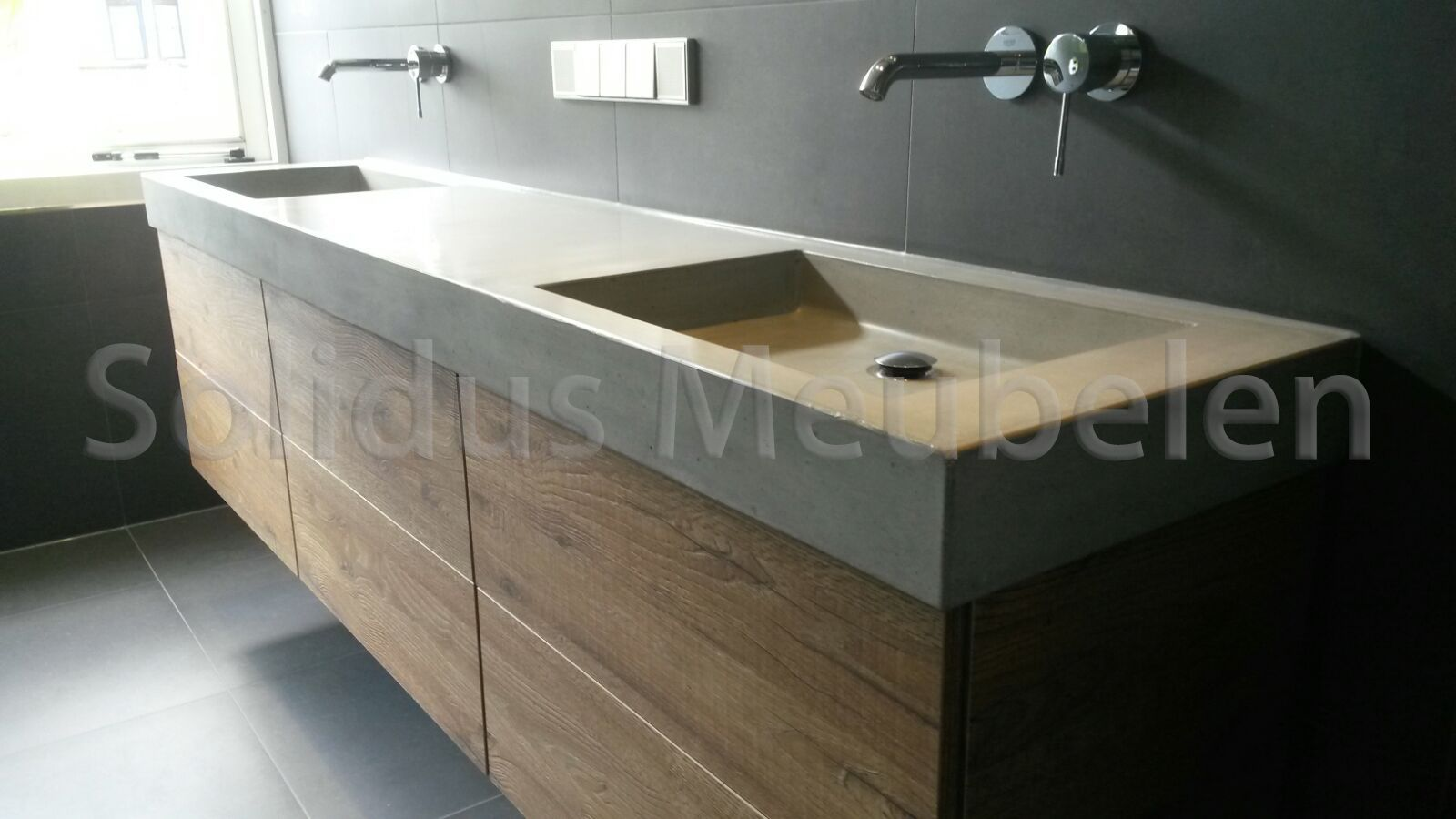 Badkamermeubel hout en beton | B7. Restroom Ideas | Pinterest ...