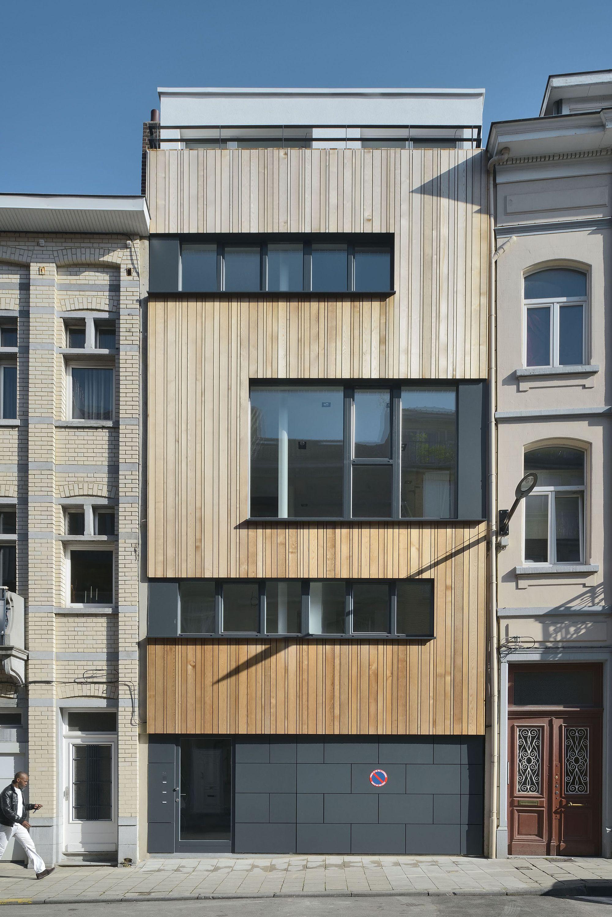 Construido por FORMa en Ixelles, Belgium con fecha 2013. Imagenes por Georges De Kinder. El proyecto se trata de hacer una vivienda pasiva asequible, sencilla y agradable. Un estudio de viabilidad mostró qu...