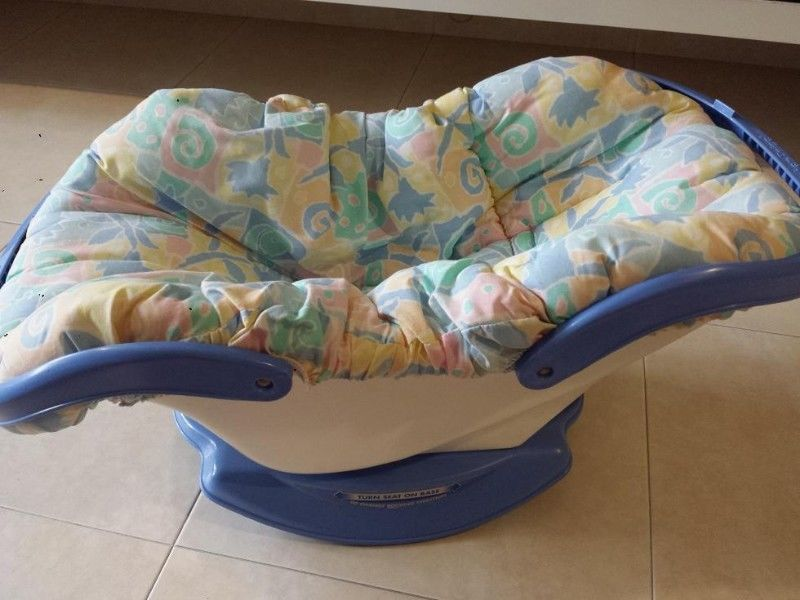 Rear Facing Car Seat Model 3 Fisher Price Cradle Rocker Retro Baby