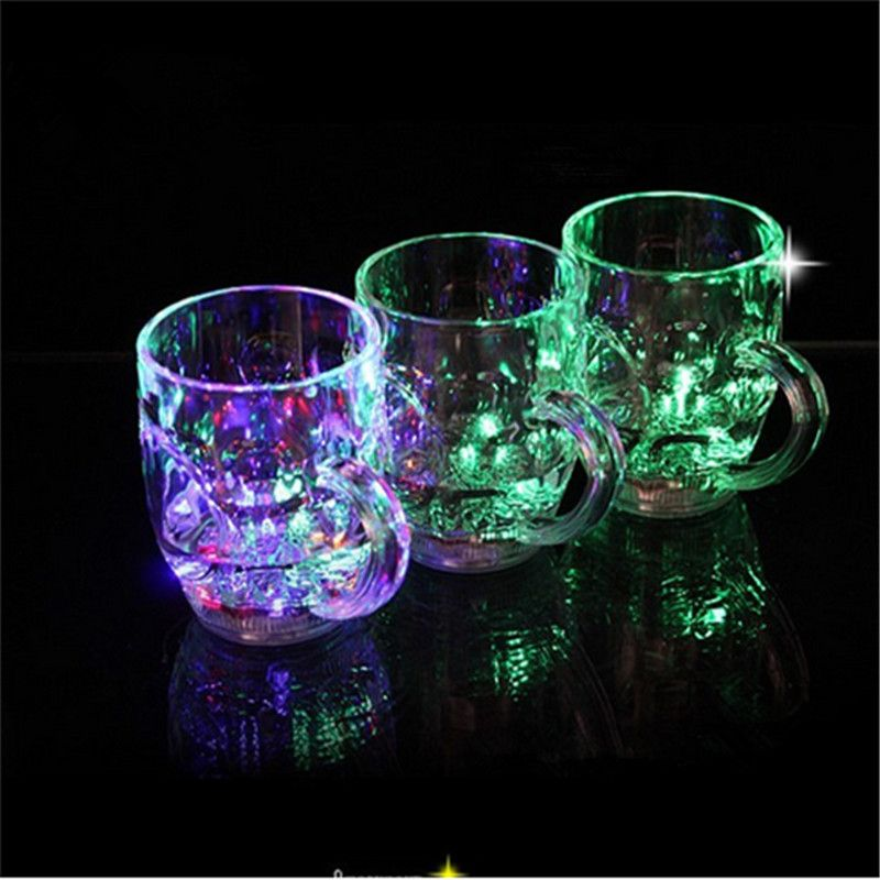 Novelty STROBING BEER GLASS Colour Changing Drinkware 3 MODES