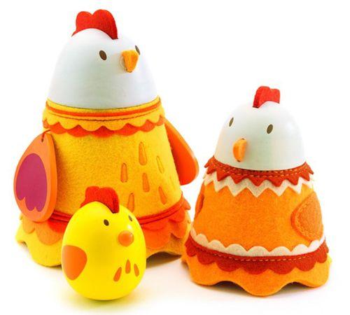 Família de Galinhas  -  Muito bonito com feltro para tornar este brinquedo mais tátil para os mais pequenos.  Com som.  Adequado 18 meses +  €25.60