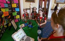 White House focuses on women at annual science fair - CBS News