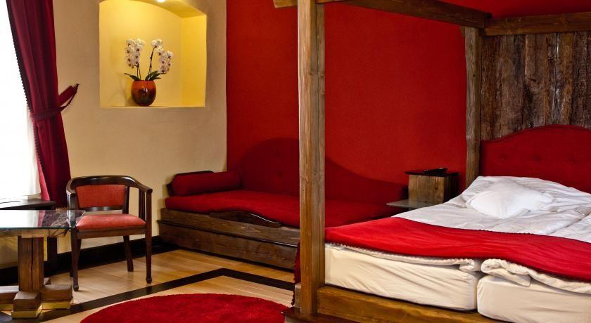 CASTEL HOTEL DANIEL - TĂLIȘOARA Covasna Cadou Romantic Vitabox