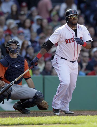 Boston Red Sox designated hitter David Ortiz, right, and