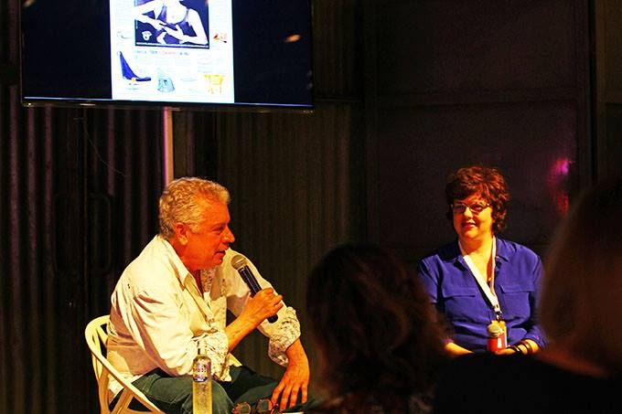 Chico Gouveia e a jornalista Ana Cristina Reis do Jornal O Globo falaram sobre design e arte na decoração durante a feira IDA.