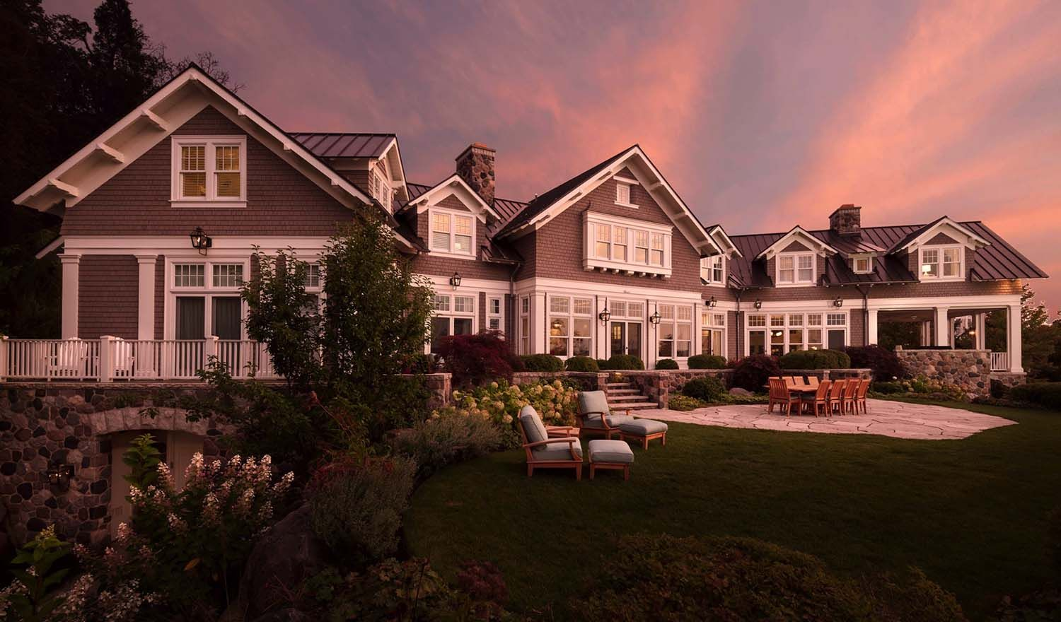 Beautiful Shingle Style Home In Wisconsin Designed To Maximize Lake Views Shingle Style Homes Lake House Plans Residential Architect