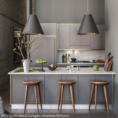 Küchenzeile Gold ~ gold gerahmte küchenzeile küchenzeilen, hängeleuchten und wirken